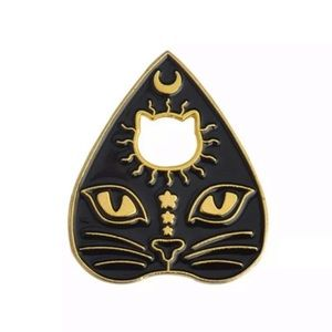 Accessories - 🆕 OCCULT WITCHCAT PAW ENAMEL PIN